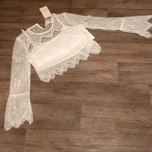 NWT Rare Candela white lace crop size6